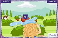 Play Holly Hobbie: Water Balloon Blast game