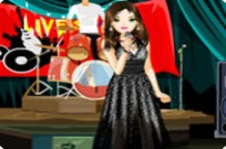 Play The Beautiful Live Stage Singer Dress Up Game game