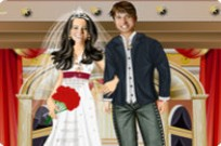 Play Majestic Couple Dressup game