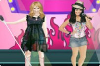 Play Ashley Tisdale Vs Vanessa Hudgens game