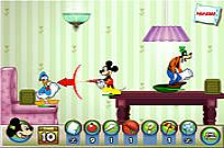 Play Mickey And Friends In Pillow Fight game
