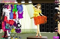 Play Shining At Night Dressup game