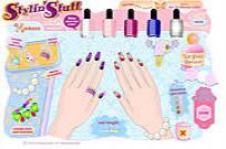 Play Nail Art Salon game