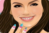 Play Victoria Justice Manicure game