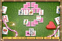 Play Queens Tripeaks game