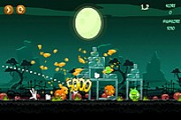 Play Angry Birds Halloween HD game